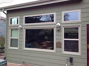 vinyl-Windows-with-custom-aluminum-trim-las-Vegas-300x225